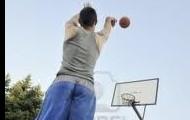 Arturo le gusta practicar deportes