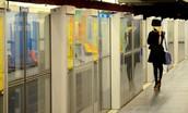 Arti Picture-Wachten op de metro