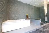 Bathroom @ Marvel Kyra