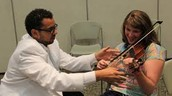 Who applies treatments of music therapy?
