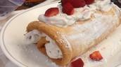 Strawberry cream roll ( Angel food cake)