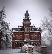 Vaile Mansion in the wintertime