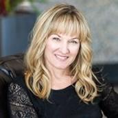 Rayna Lee, Realtor & Market Specialist