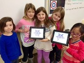 Students using Hopscotch app