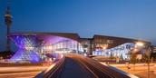 Die famose Außenseite von das BMW Welt und Museum