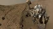 רכב החלל קיוריוסיטי שנשלך למאדים.