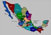 Octavio Paz realizó sus estudios en las facultades de Derecho y Filosofía y Letras de la Universidad Nacional Autónoma de México