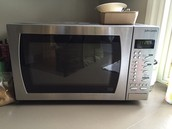 SOLD Microwave - £15
