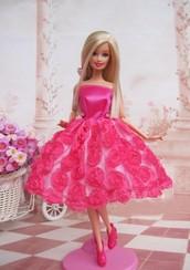 Stylish barbie with dress!