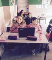 תלמידים נהנים בשיעור של מחמוד