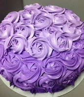 "Learn how to create a beautiful ""Flower Cake"""
