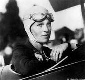 Small Biography of Amelia Earhart