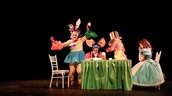Theatre and Art Meet in Wonderland!