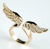Angel Wing Ring - Rose Gold Austrian Crystal