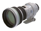 Zoom lens with DO element 2001