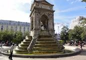 Lescot's Architecture: The Fountain of Innocence