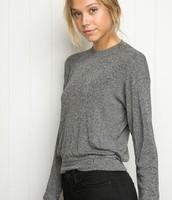 Un pull gris en wool