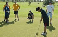 Golf is a very popluar sport.