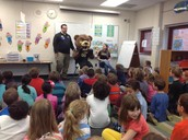 OU's Grizz Reading to 2nd grade