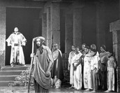 Picture 1 Of The Play
