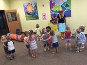 Salsa dancing in Spanish