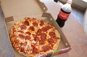 Ich mochte ein pizza essen und ein Cola trinken.