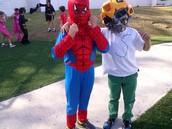 Spiderman and super Santi