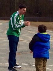 Special Recess Visitor Comes to Pleasant Street