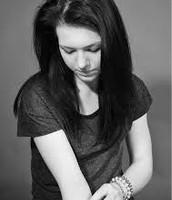 Teenage girl with low self esteem
