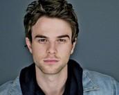 Logan McEntire (Nathaniel Buzolic)