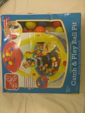 CATCH AND PLAY BALL PIT