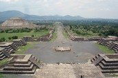 Picture of Teotihuacan's courtyard