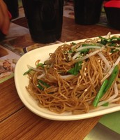 Dried Noodles with Veggies and Soya Souce