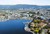 Корабли норвежцев рослых приплывают в город Осло.