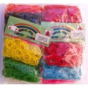 Las gomitas!!! Las tenemos de distintos tipos: normales, multicolores, fluorescentes...etc. Depende de lo que quieras llevarte, puedes conseguir el pack entero, medio pack, un monedero completo...etc