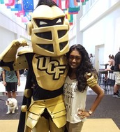 I TOOK A PIC WITH KNIGHTRO!