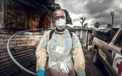 Estamos haciendo todo lo posible para tratar a todos los pacientes infectados con el ébola y los síntomas .