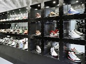 Come To Our ShoeStore !