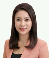 Catherine Chung, New Country Director for Spring Korea