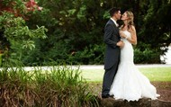 Luxurious Wedding Ceremony through luxury cottages at Bundanoon
