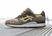 Act Now for Asics UNDER RETAIL