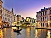 Dans quel pays européen se situe cette ville?