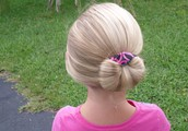 Instructions to a make a bun with Curly Buns