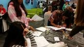 8th grade Scientists explore in Wave Museum