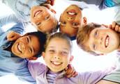 """Fiecare parinte isi pune intrebarea: unde este limita dintre libertate si rigiditate in educatia copilului. De unde stim ce este """"bine"""", """"rau"""" sau """"potrivit"""" pentru copilul nostru ?"""