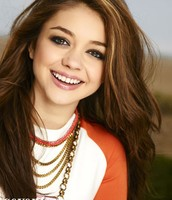 Modern Family's Sarah Hyland as Lena Halloway