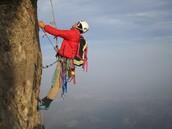 Tienes que escalar montanas.
