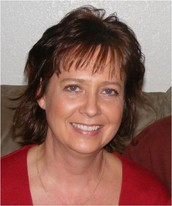 Michele Schoening   Elem & MS Computer Teacher / Yearbook