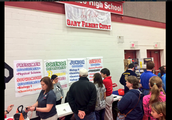 Eighth graders & parents attend Find Your Path nigh at MHS