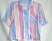 camisa de colores pastel
